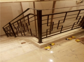 丹东铁艺楼梯